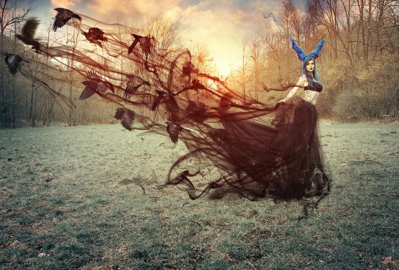 Cesare Longhi, Maleficent and the raven spell, 2014, modella Ria E Mac Carthy