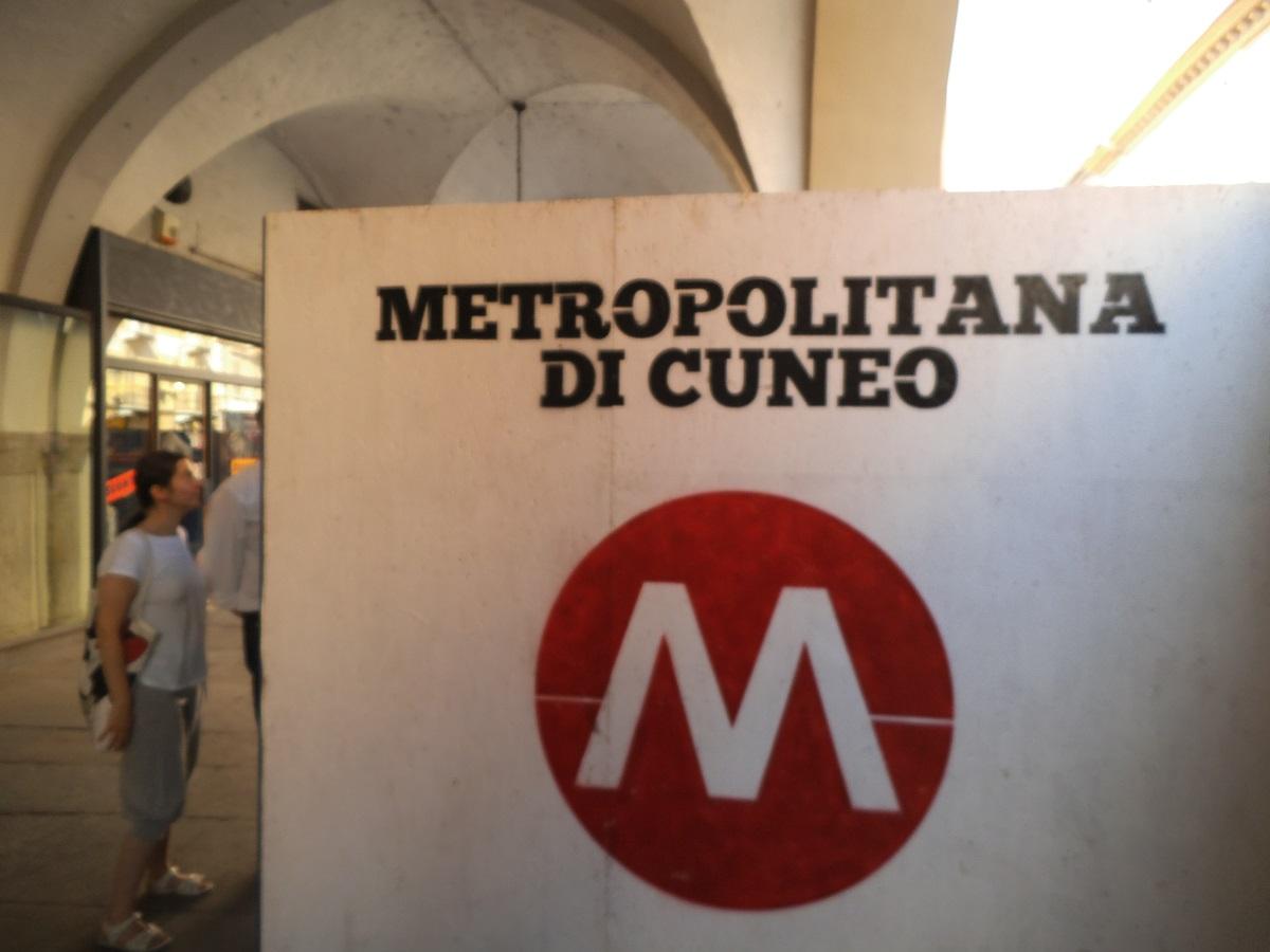 Camere Oscure Cuneo : Ho preso la metropolitana a cuneo margutte