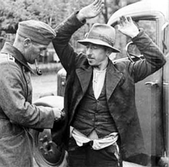 Arresto di un sinto nei pressi di Francoforte (fine anni '30)