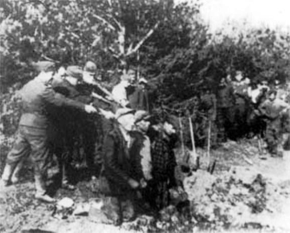 secuzione sommaria di rom catturati in Lituania, 1942