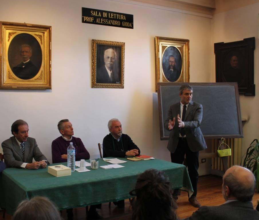 I relatori con il deputato Mino Taricco