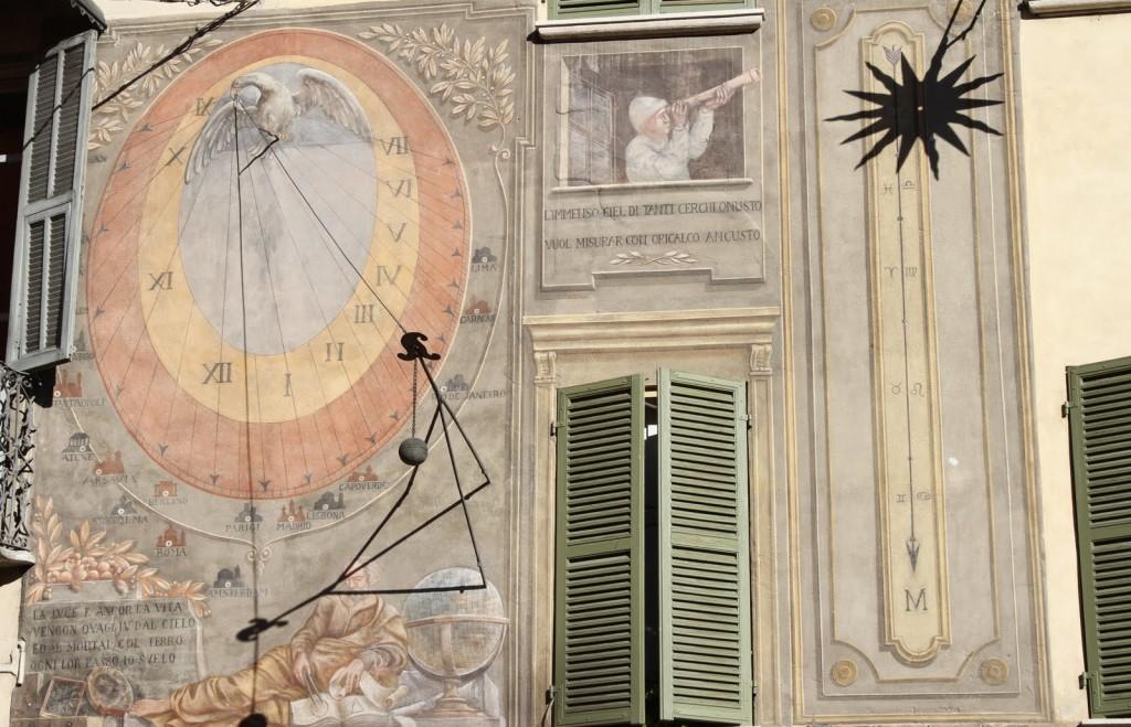 sundial-02-noon-sundial