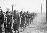 guerra_-_militari_italiani_internati_nello_stalag_iii_b_di_furstenberg_sull_oder_foto_indita_imagefull