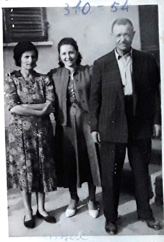 Maria con gli zii Pinota e Battista