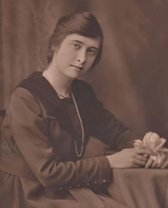 1919-elise-3-enhanced-media